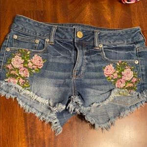 American Eagle embroidered denim shorts size 2